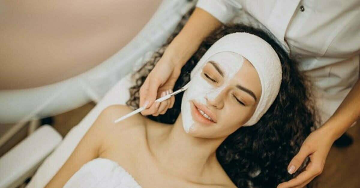 Festive Treats for the Skin: AAYNA Facials